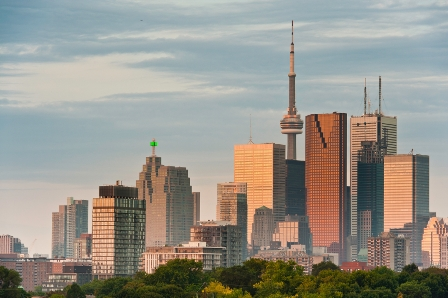 iStock_toronto-downtown-skycrapers-condos_000018641014_Small