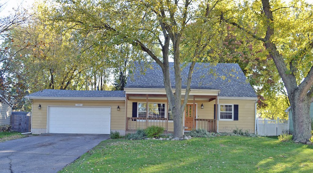 Updated Cape Cod Style Home For Sale Valparaiso Indiana 46385