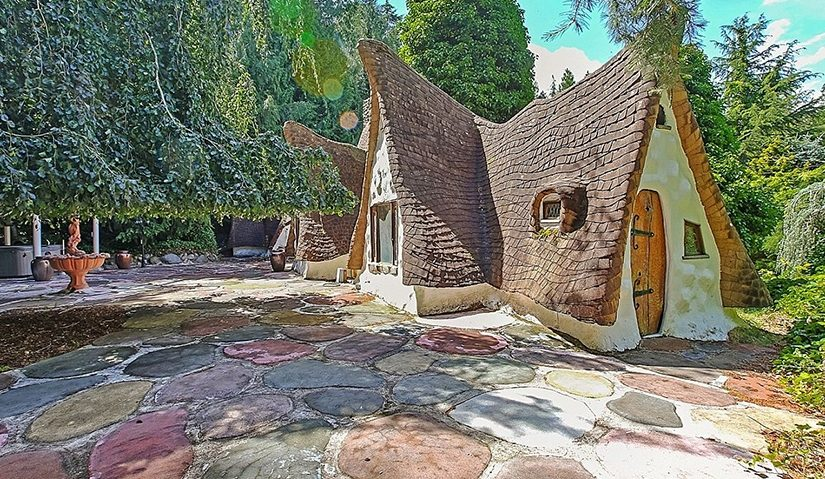 Snow White's Cottage Listed for Sale, Took 12 years to Construct!